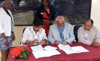 Empresas de Cuba e Italia firman convenio de servicios médicos
